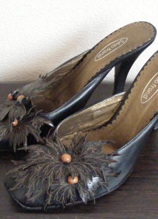 Шлепанцы женские на каблуке