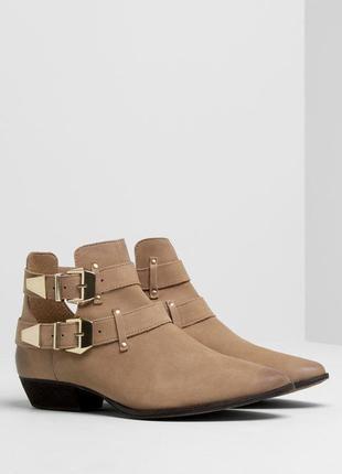 Ботинки с пряжкой от pull&bear