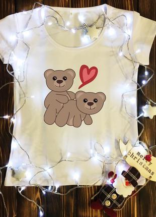 Женская футболка  на 14 февраля с принтом - пара мишек