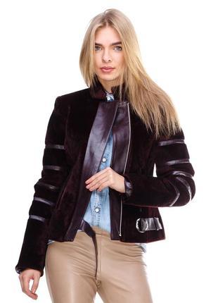 Осенняя куртка из искусственного меха
