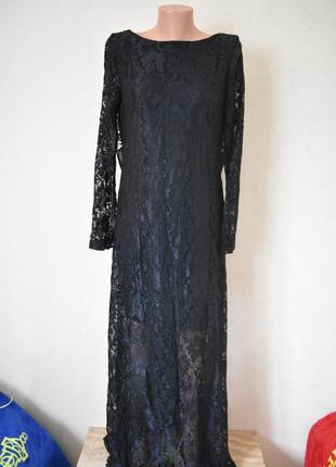 Нарядное кружевное платье в пол с открытой спиной