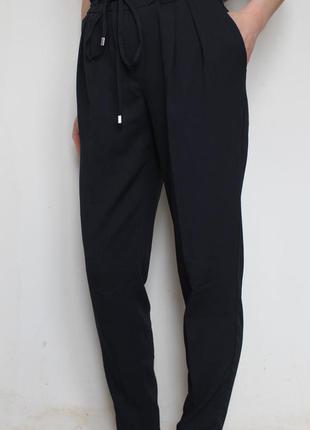 Zara брюки из струящейся ткани на резинке