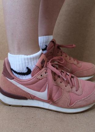 Nike terra blush женские кроссовки персиковые замшевые
