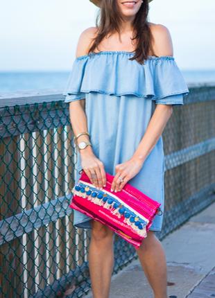 Zara джинсовое платье со спущенными плечами
