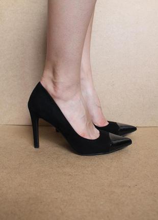 Zara замшевые туфли лодочки черные с лаковым носочком