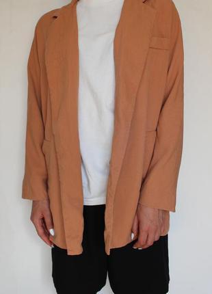 Zara пиджак накидка персикового цвета
