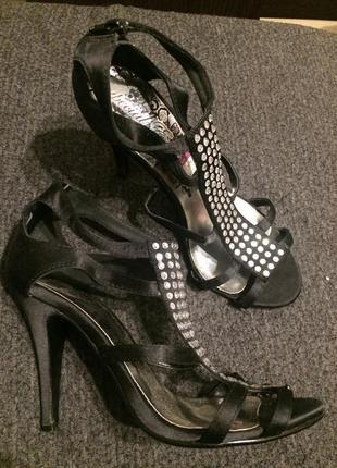 Redherring атласные босоножки сандали туфли 24-24.5 см