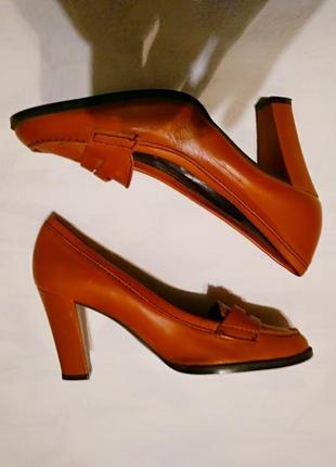 Zara шикарные, трендовые туфли на каблуке