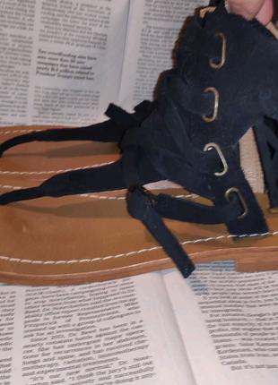 Кожаные итальянские босоножки через палец сандали Keїto размер 40