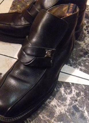 Кожаные ботинки)