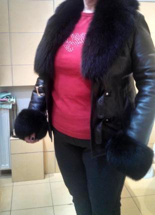 Кожаная куртка с мехом песца размер 42 (XS)