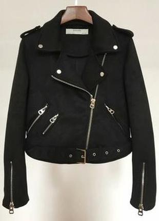 Женская замшевая куртка косуха черная