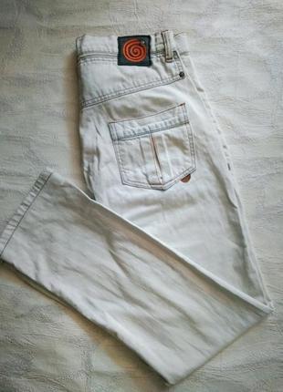 Hugo boss джинсы  бело-голубые