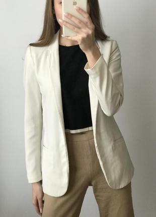 Пиджак белый жакет блейзер удлиненный молочный прямой классиче...