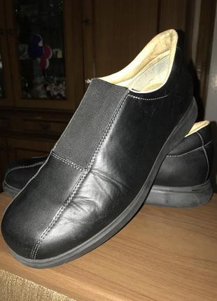 Добротные закрытые туфли panama jack