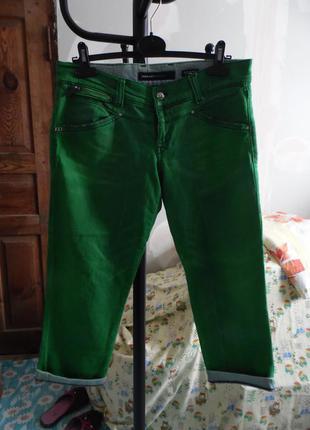 Вкорочені кольорові джинси