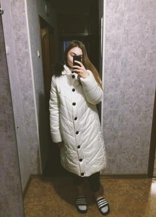 Белый пуховик зимний