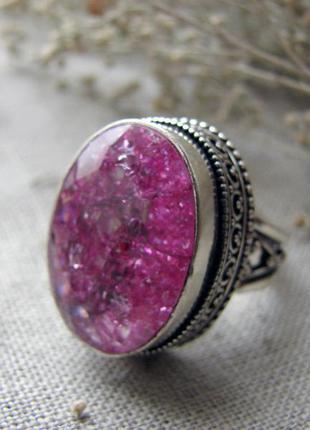 Кольцо перстень с натуральным камнем кварц с эффектом кракелюр...