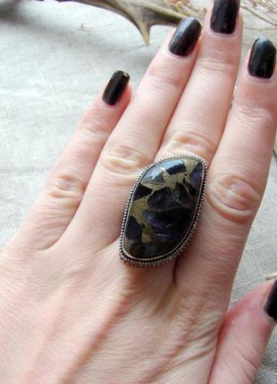Кольцо перстень с натуральным камнем аметист в меди посеребрен...