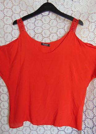 Блузка с открытыми плечами, италия.