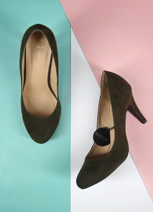 Новые(сток) стильные туфли хаки new look. размер uk 5 eur 38.