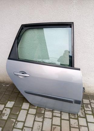 Двері  Рено Сценік 2 правий зад Renault scenic 2