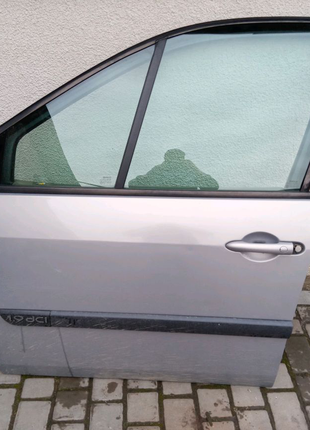 Двері  Рено Сценік 2 лівий перед Renault scenic 2