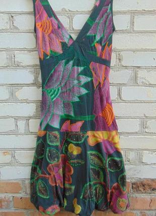 Платье, сарафан desigual, с вышивкой и пайетками.