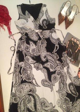 Красивое платье с принтом.1048