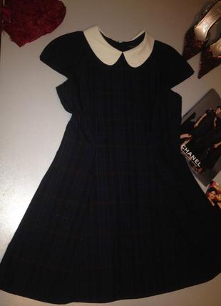 Красивое платье в клетку с белым воротничком.1109