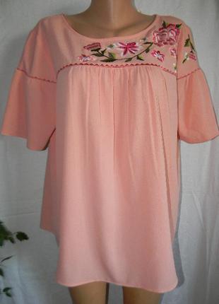 Красивая блуза с вышивкой большого размера