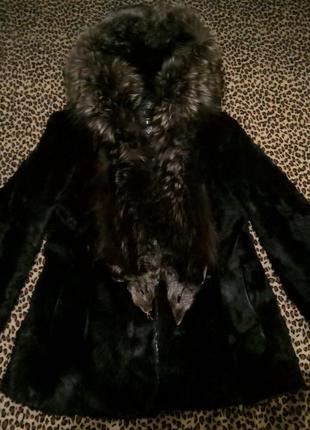 Шуба из горного козлика с мехом чернобурки