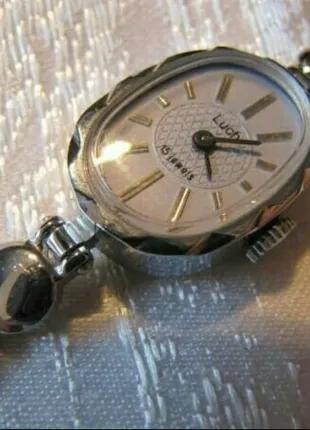 Часы механические Луч женские, новые, раритетные, в коллекцию, ил