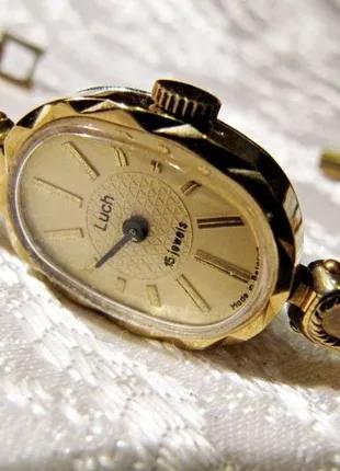 Часы Луч 2001 года, в коллекцию, новые , женские, механические