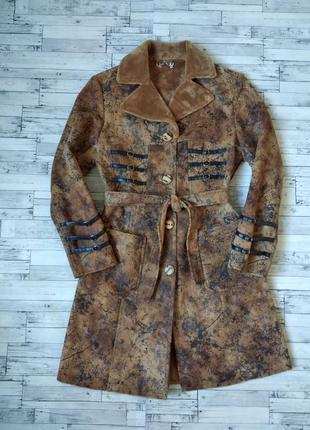 Легкое пальто дубленка lisa деми женская коричневая с поясом