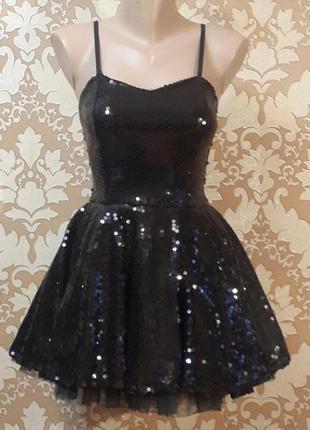 Шикарное платье из пайеток. размер xs.