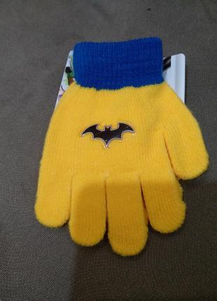 Перчатки batman
