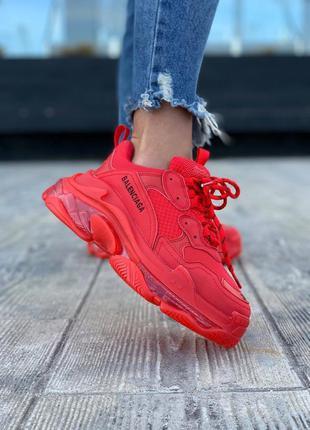 Balenciaga triple s red шикарные женские кроссовки баленсиага