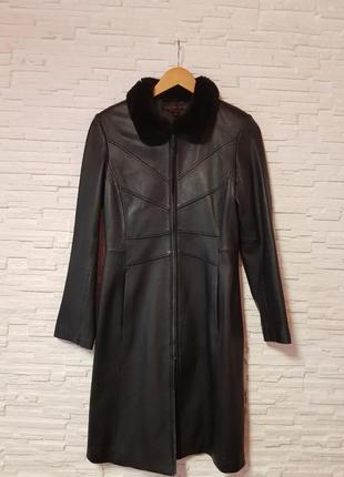 Кожаное пальто плащ тренч воротник кролик италия via spiga