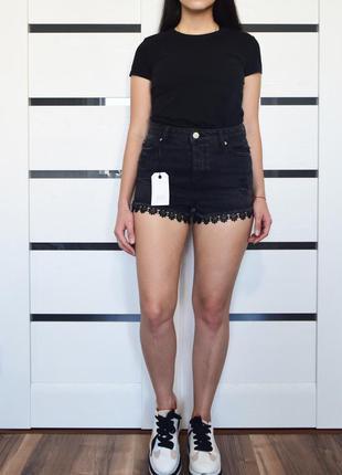 Джинсовые шорты с кружевом (новые, с биркой) miss selfridge