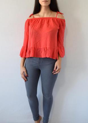 Блузка с открытыми плечами atm