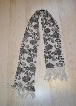Вязаный шарф серебряная нить цветы george