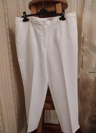 Женские белые брюки большого размера charmant