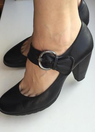 Кожаные туфли 38-39 размер