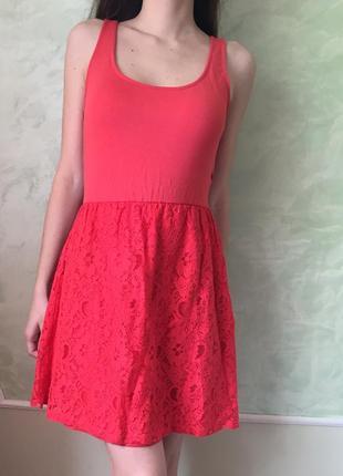 Красное платье stradivarius с кружевом и красивой спинкой р. s...