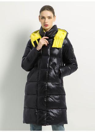 Шикарный брендовый тёплый дутый пуховик пальто с матовым блеск...