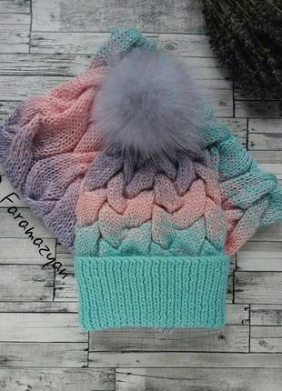 Нежный вязанный комплект (шапка и снуд)