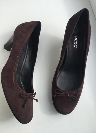 Кожаные туфли ecco 40 размер замшевые