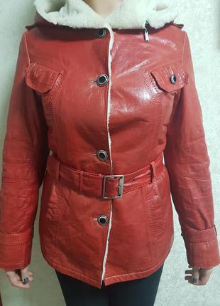 Кожаная куртка дубленка красная на овчине красная
