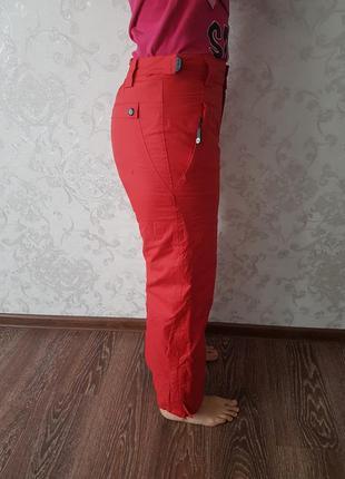 Женские брюки красные  штаны для сноуборда или лиж горнолыжные .